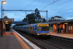 Alstom Comeng arrives into Seddon on the up