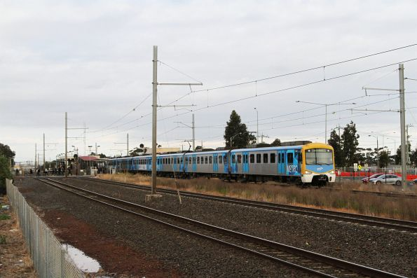 Siemens train departs Hoppers Crossing with a down Werribee service