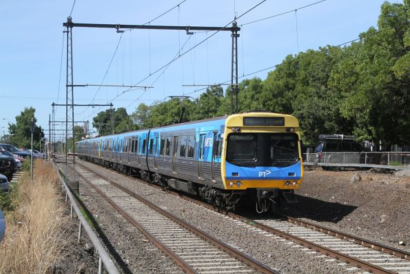 EDI Comeng 466M departs Spotswood on the up