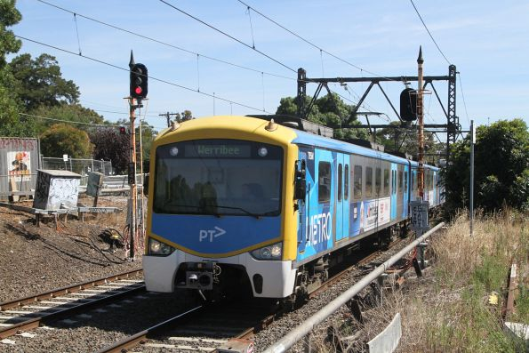 Siemens 795M approaches Spotswood with a down Werribee service