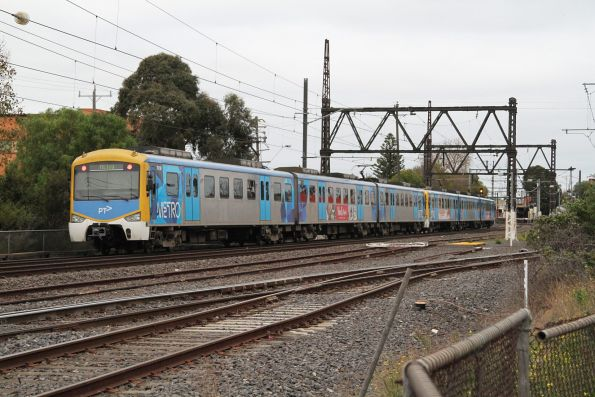 Siemens 701M trails a down service into Newport