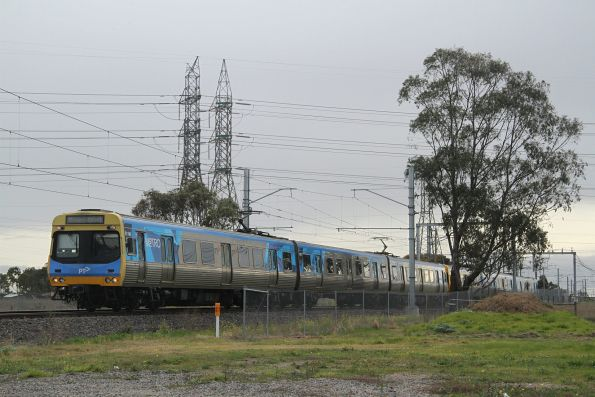 EDI Comeng 511M on an up Sunbury service outside Ginifer