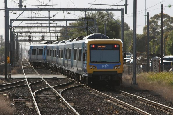 X'Trapolis train departs Werribee station on the up