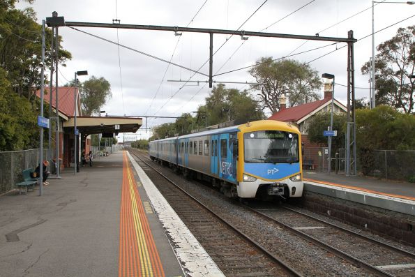 Siemens 786M arrives into North Williamstown station on a down Williamstown shuttle service