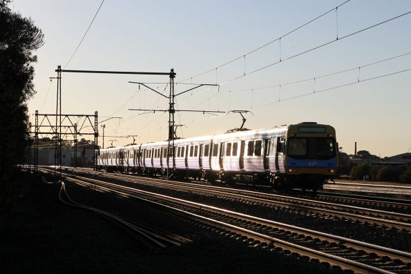 EDI Comeng train on a down Werribee service at Newport South