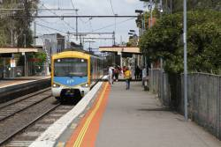 3-car Siemens train arrives into North Williamstown on an up Williamstown shuttle