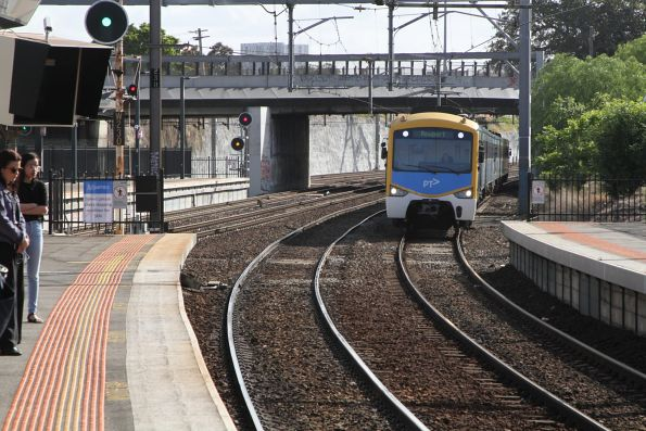 Siemens train arrives into Footscray on a down Newport service