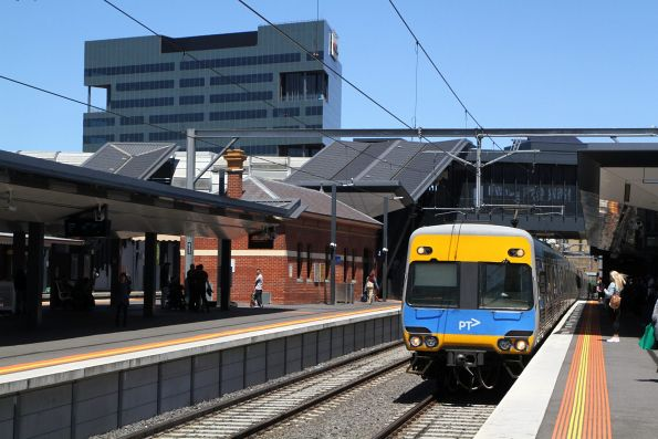 Alstom Comeng on the up at Footscray