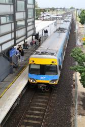 Alstom Comeng train arrives into Watergardens with a down Sunbury service