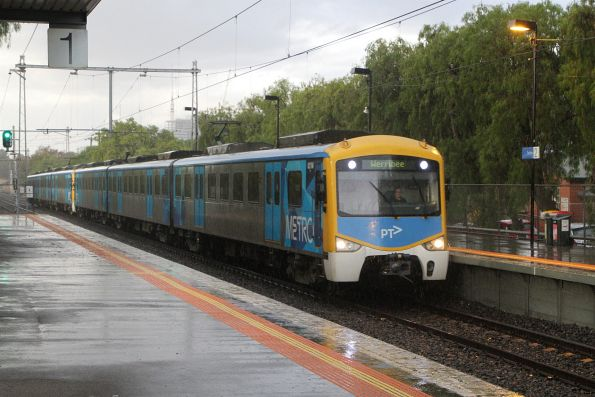 Siemens 821M arrives into Seddon on a down Werribee service