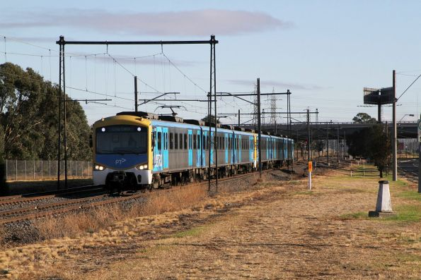 Siemens train on the up at Albion