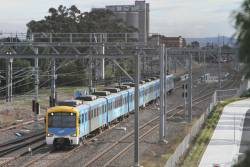 Siemens train arrives into Sunshine on the up