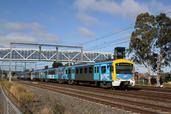 Siemens 771M leads a down Watergardens service out of Sunshine