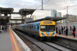Life extension EDI Comeng 487M on a down Laverton service at North Melbourne