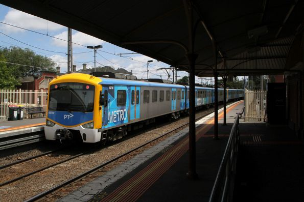 Siemens 827M trails a down Craigieburn service out of Ascot Vale