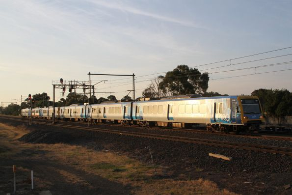 X'Trapolis 22M on the up at Altona Junction