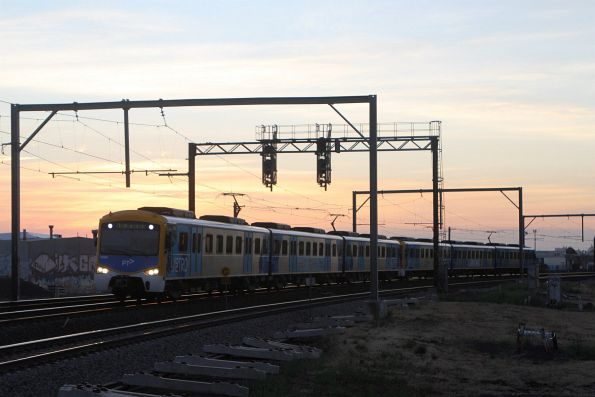 Siemens 785M on an up Werribee service at Newport South