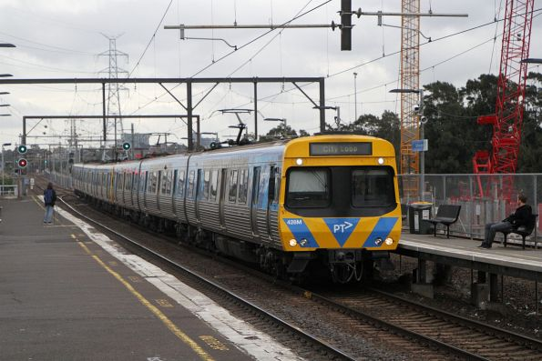 EDI Comeng 428M on an up Werribee service at South Kensington