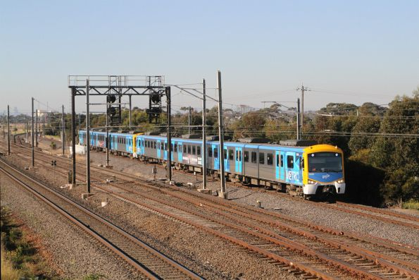 Siemens 727M arrives into Laverton on a down Altona Loop service