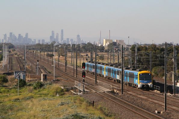 Siemens 762M arrives into Laverton on a down Werribee service