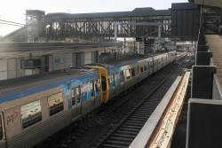 EDI Comeng 318M arrives into the new West Footscray platform 1