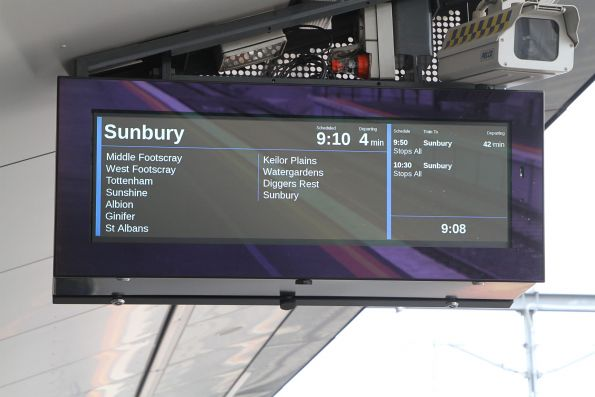 Even at 10:30 on a Sunday morning there are 40 minute gaps between Sunbury line trains!