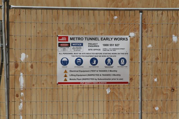 'Metro Tunnel Early Works' notice at City Square