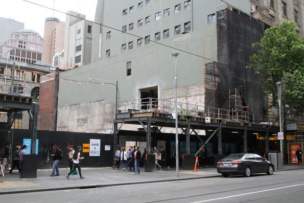 Demolishing the Nicholas Building Annex at the CBD South station site