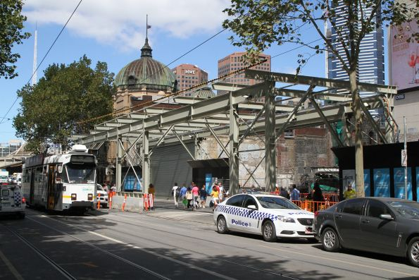 Crash deck taking shape above the Swanston Street footpath at CBD South