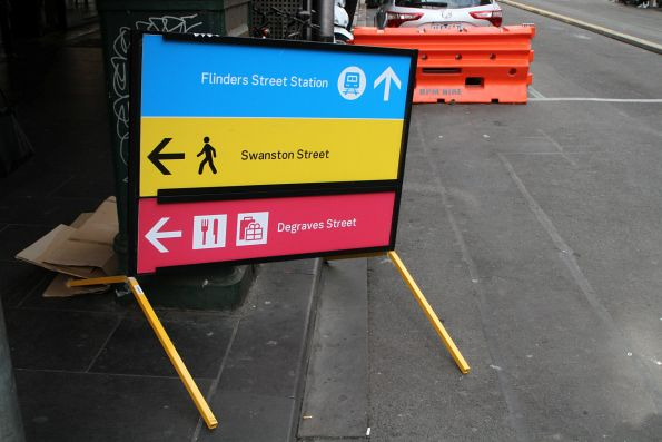 Pedestrian directions at Elizabeth Street and Flinders Lane for Metro Tunnel worksite detours