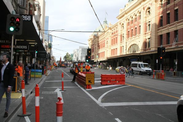 Flinders Street closed to eastbound vehicles at Degraves Street
