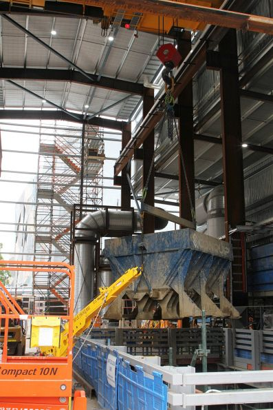 Gantry crane lifts a 13.5 tonne loaded spoil kibble out of the Federation Square shaft