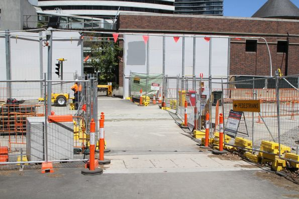 Pedestrian crossing on Domain Road at the Anzac station work site