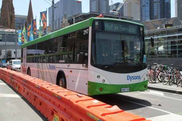 Dysons bus #297 5428AO heads south at Princes Bridge