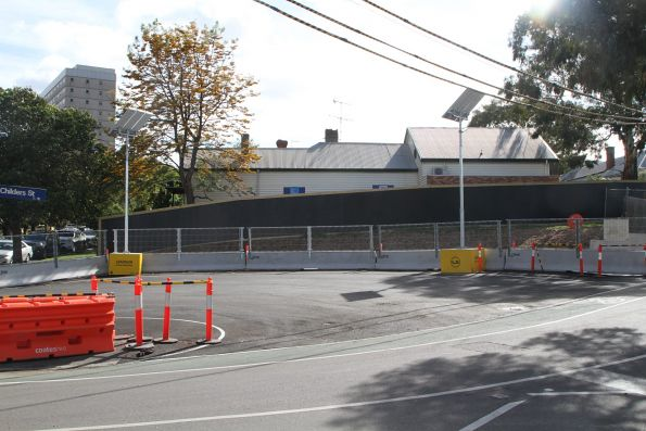 U-turn bay on Childers Street for vehicles accessing the South Kensington work site