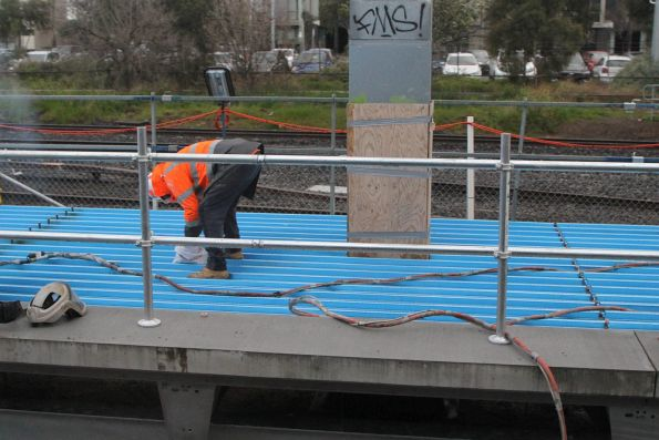 Installing the steel deck of the future platform