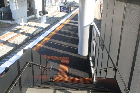 Long staircase between the new platform 1 and the overhead concourse