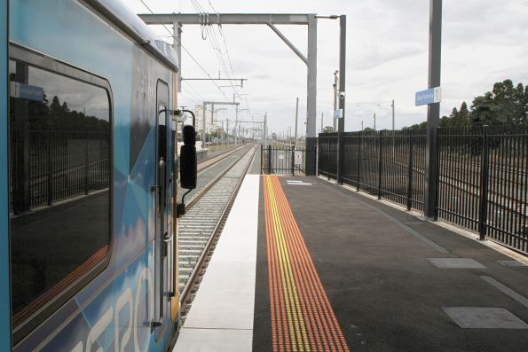 Plenty of extra space at the down end of West Footscray platform 1 for the longer HCMT sets