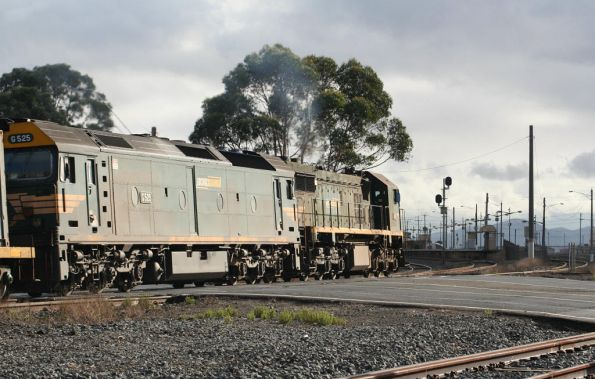 X49 leads G525 through North Shore bound for Melbourne