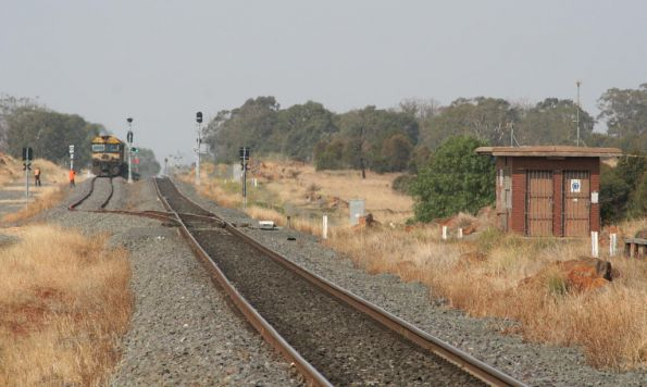 Signal set for the cross at Parwan Loop