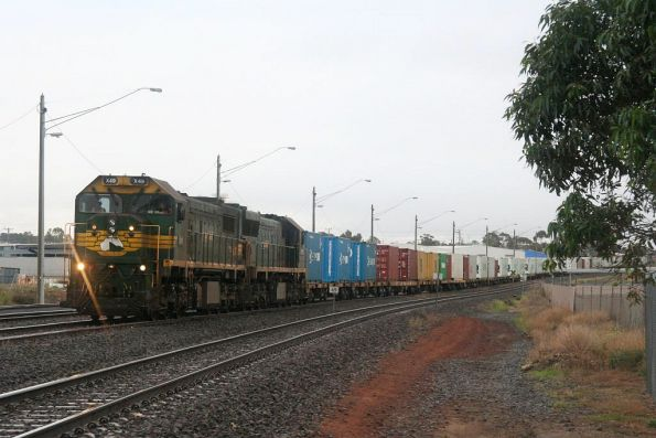 X49 and XR553 arrive at North Geelong C