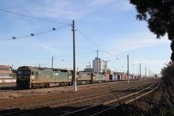 G528 leads X43 and G524 into Tottenham Yard with the up Mildura freight