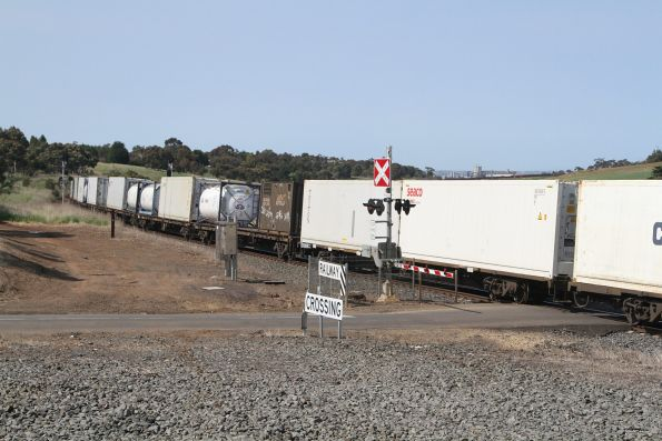 G531, X43 and XR551 on the up Mildura freight at Moorabool