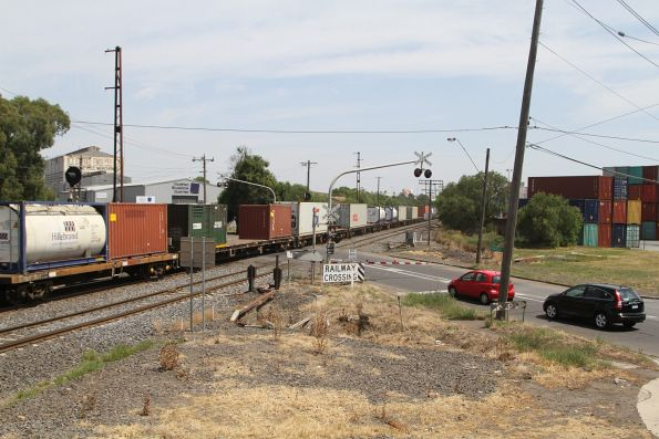 Mix of conventional and tank containers on the up Manangatang freight at Brooklyn