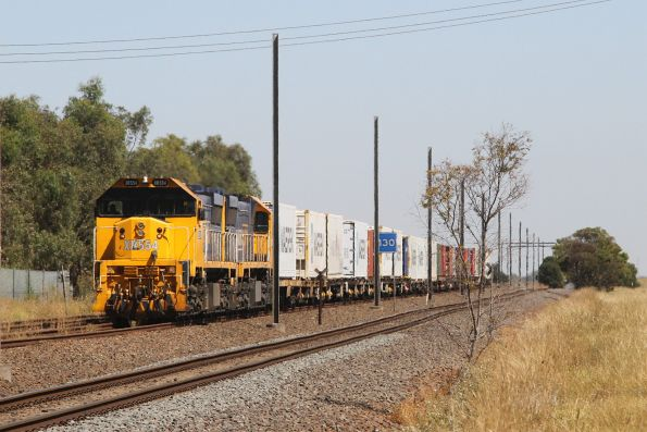 XR554 and XR551 wait at Werribee for a path on the suburban network