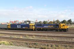X50 and BL33 awaiting departure time from Appleton Dock with the down Mildura train