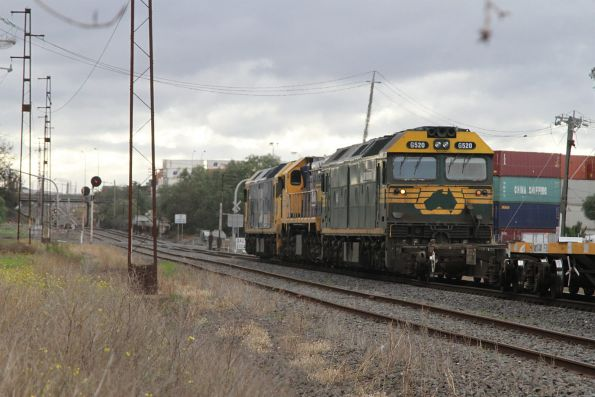 BL33, X48 and G520 lead the up Mildura freight at Brooklyn