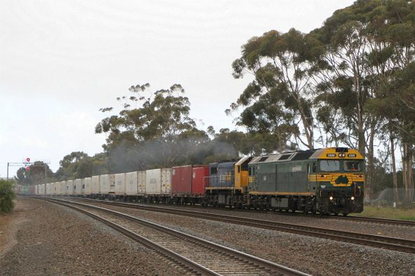 G520 and X50 lead the up Mildura freight through Lara