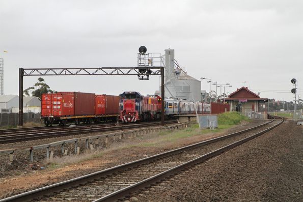 Tail end of the up Mildura freight at Lara