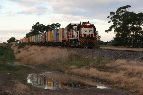 Mineral sands train